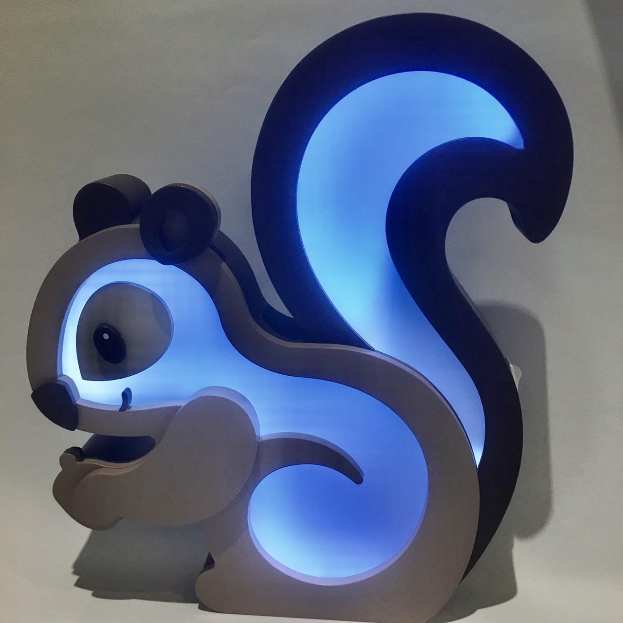 Luminária de mesa Esquilo