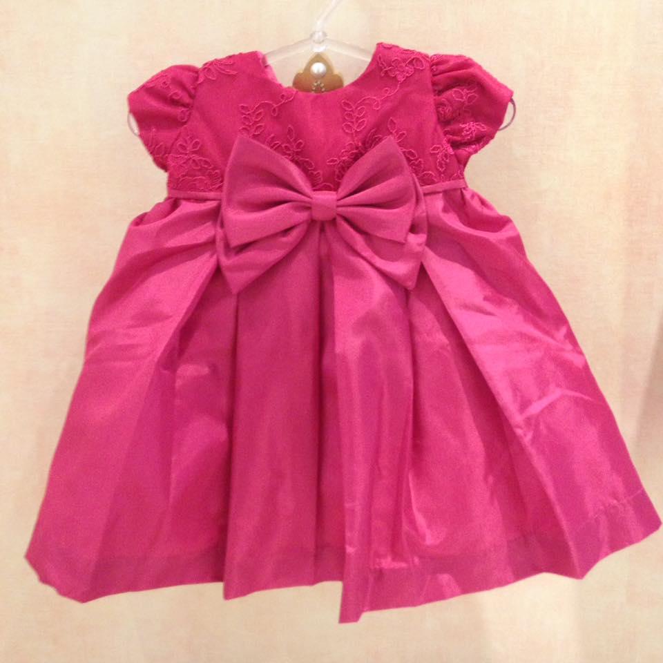 Vestido pink em tafetá com renda